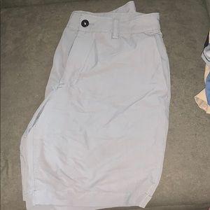 Men's North Face Shorts. 32